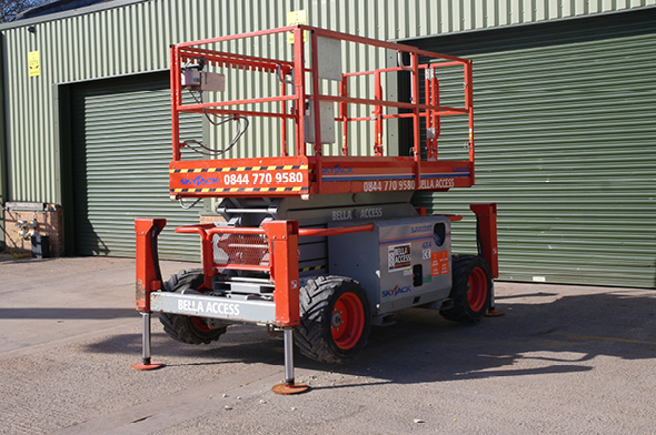 6832 Diesel Scissor Lift from Bella Access